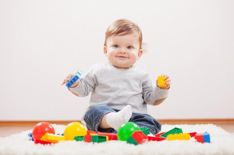 Jakie zabawki dla niemowlaka?