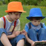 Plan dnia na koloniach tematycznych. Sprawdź, jak bawi się i uczy Twoje dziecko podczas wyjazdów wakacyjnych